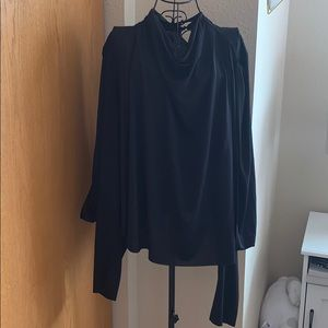 Open sleeve black blouse
